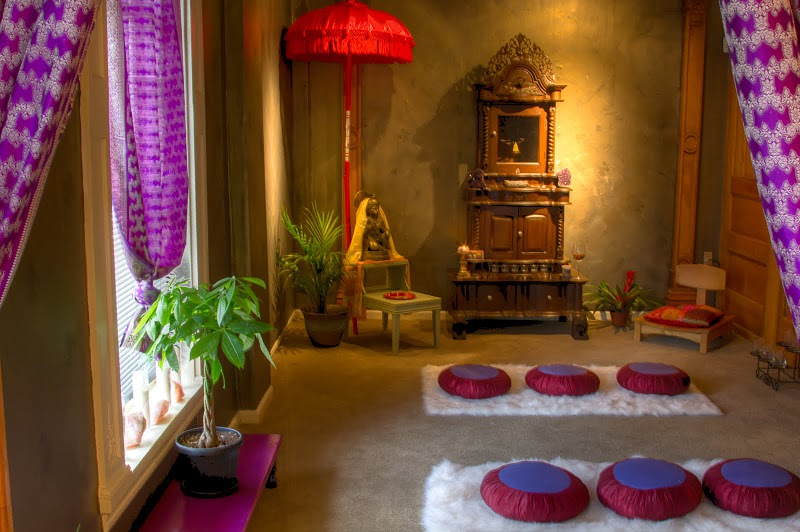 12 pops of purple and pink - Meditation Room
