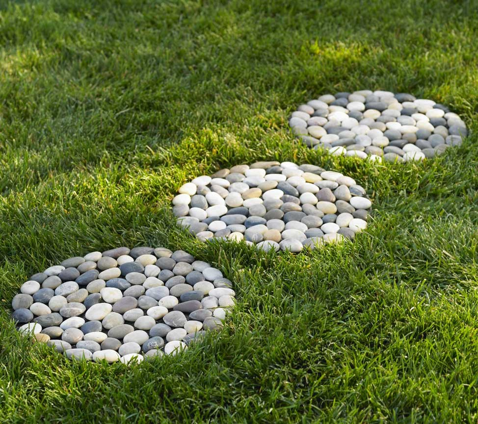 30 Best Decorative Stepping Stones Ideas And Designs 2018