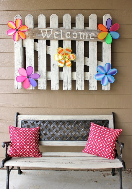 Artful Flowers and Bright Pillows Make for a Warm Welcome