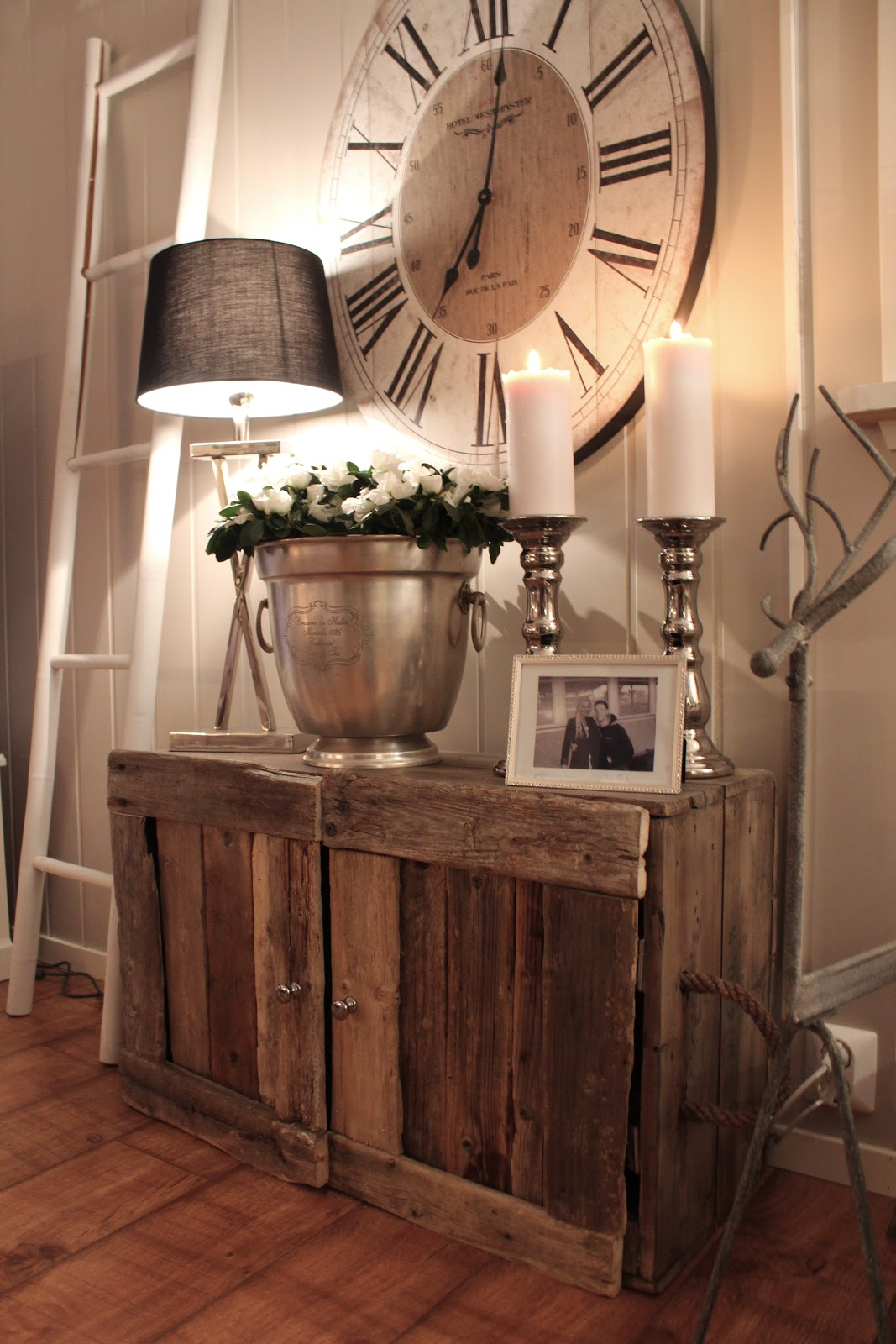 1. Mix Metal Textures With Reclaimed Wood