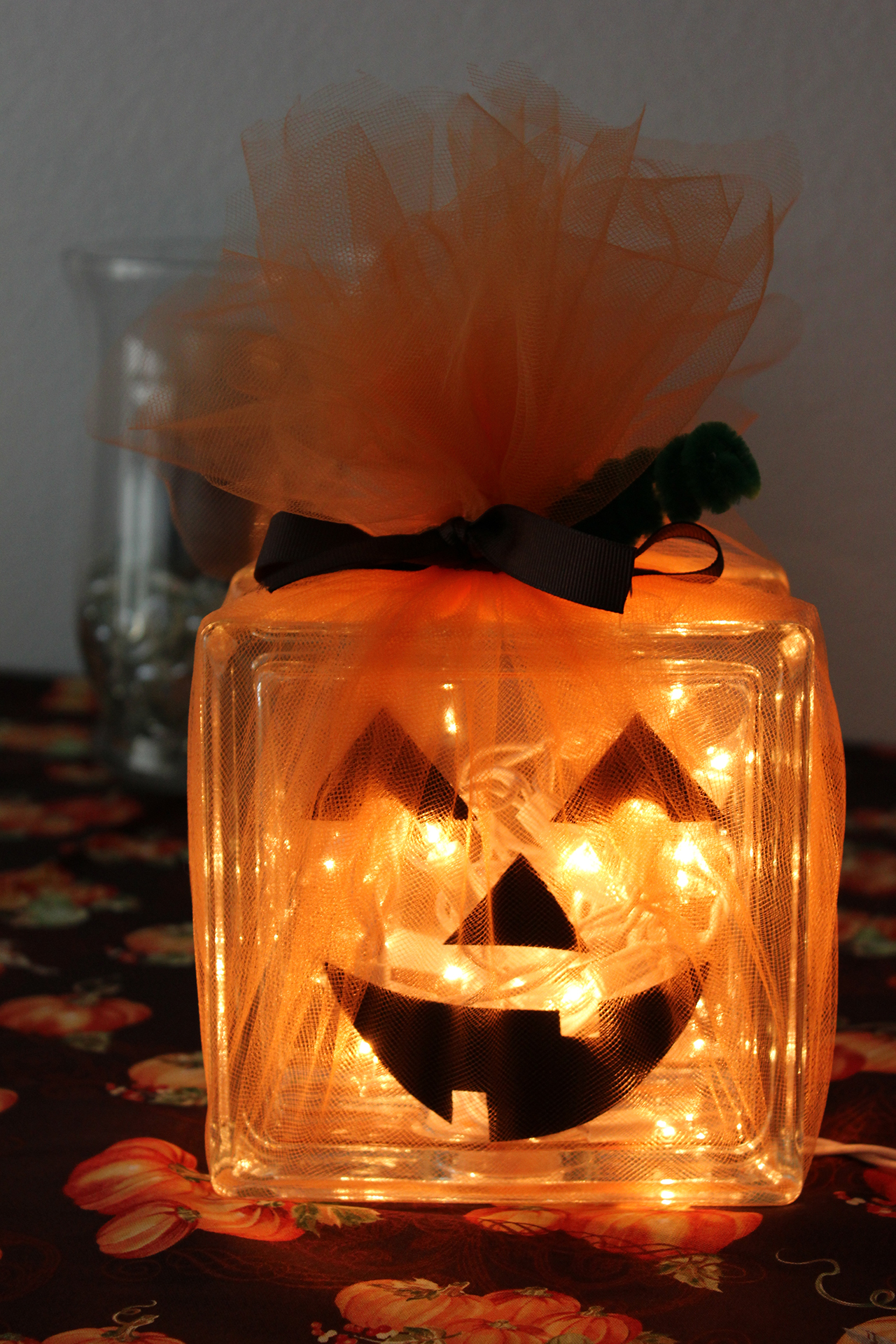 Halloween indoor decorations ideas - 5 Glass Pumpkins Still Shine Bright