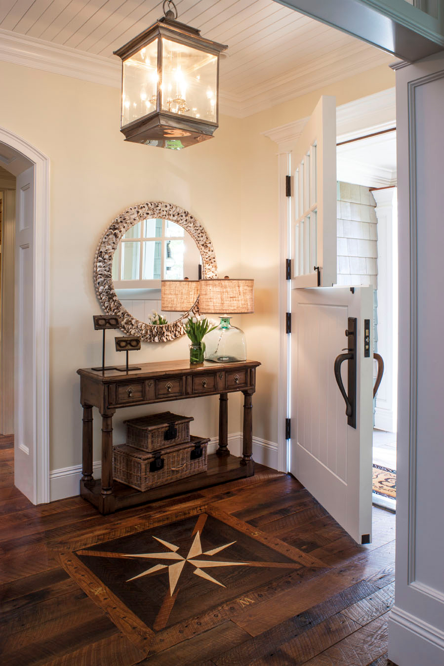 Entrance And Foyer : Best rustic entryway decorating ideas and designs for