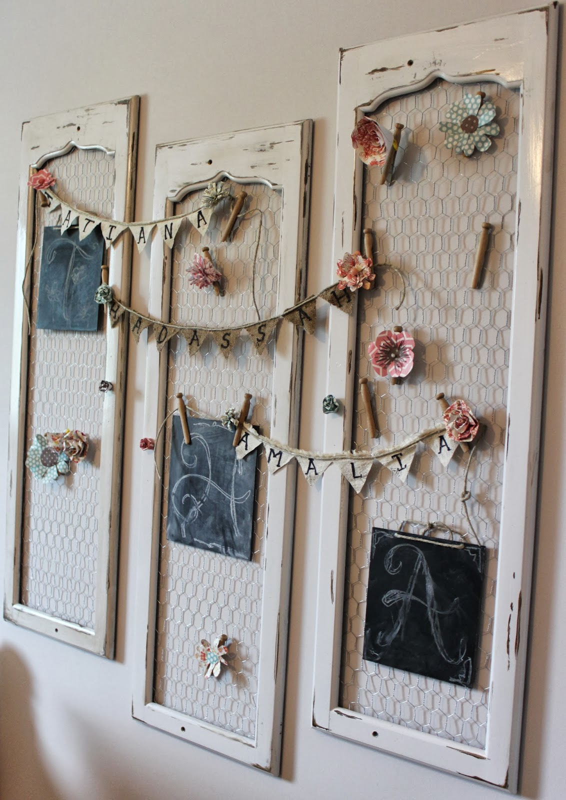 Diy shabby chic home decor - 9 Old Shutters To Monogram Hanger