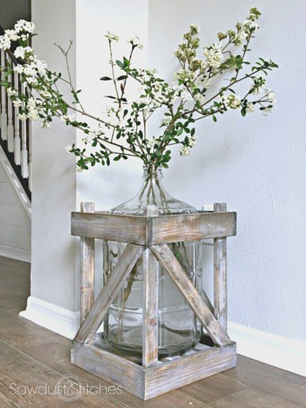 5-gallon Vase With Crate Frame