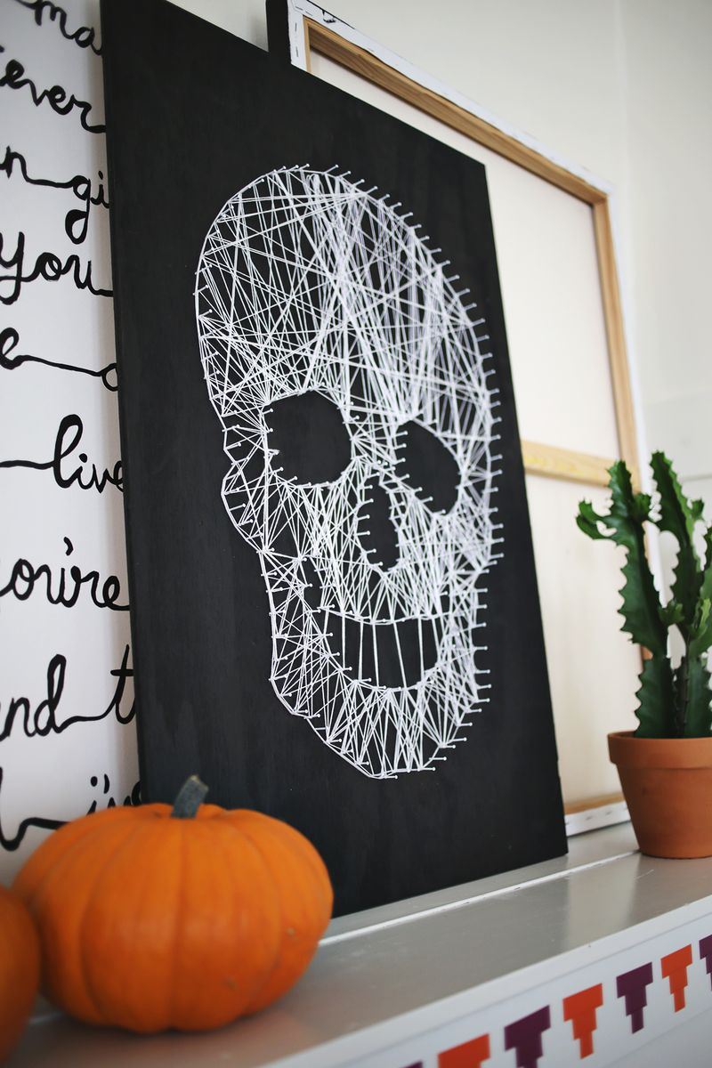 13 string makes scary skull - Halloween Decorations Ideas