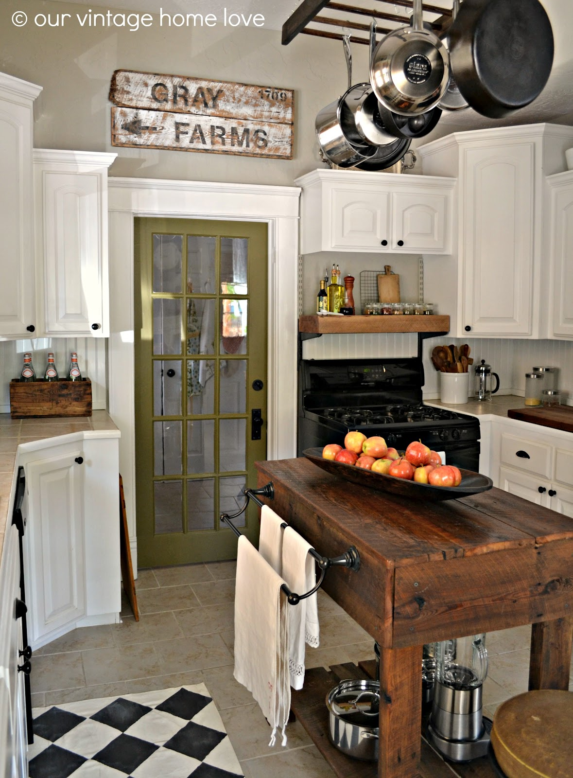 16 rustic country kitchen design ideas homebnc - Get Small Farmhouse Kitchen Decor Images