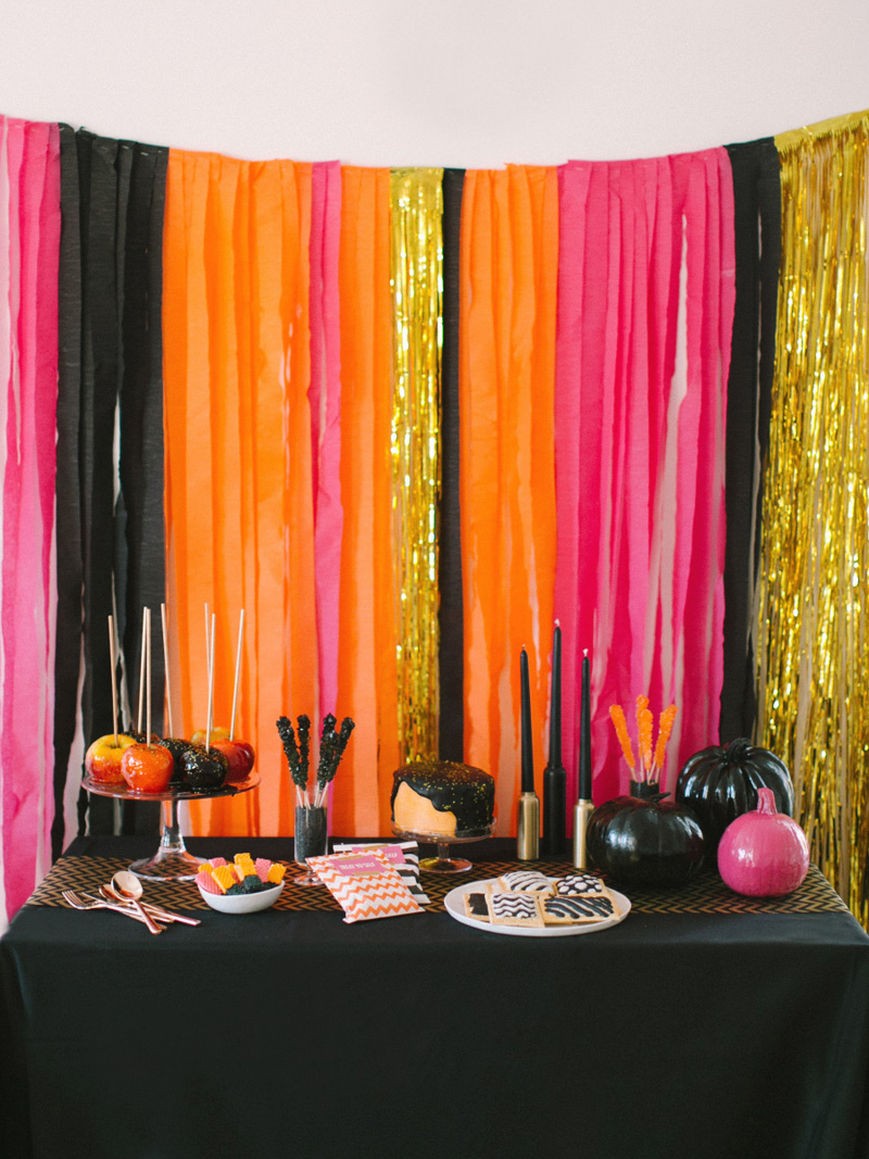 Halloween party decor - 22 Glamorous Looks With Brilliant Colors