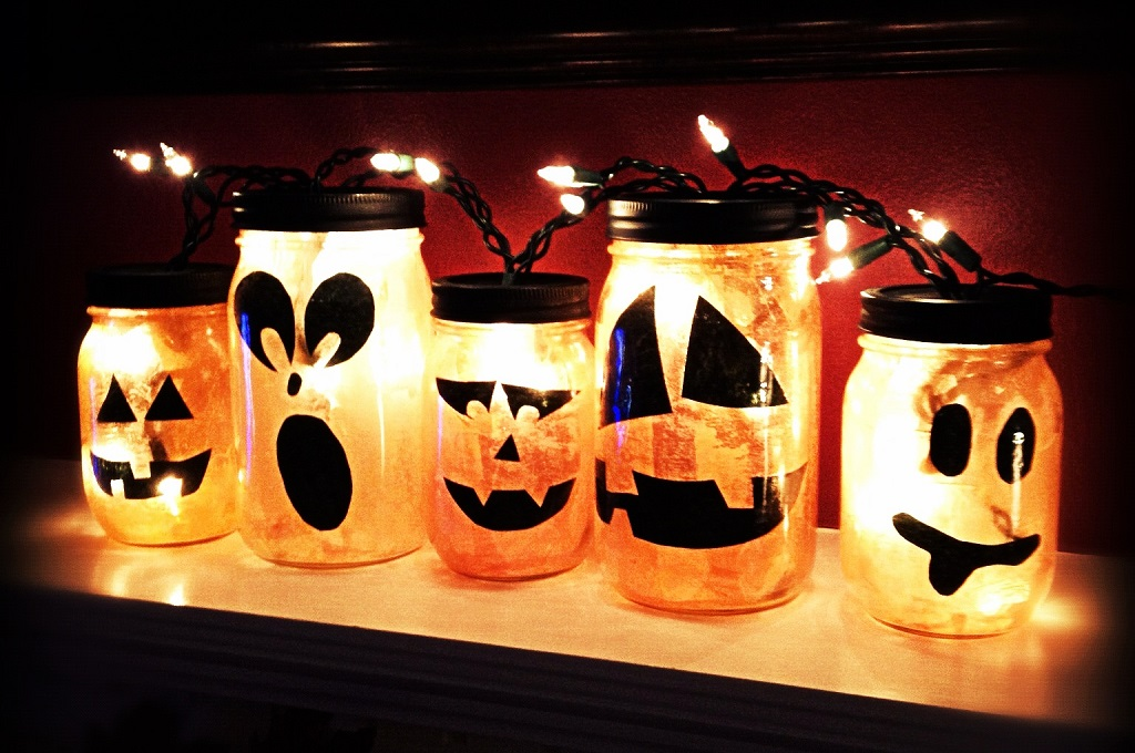 32 spooky lanterns made easy - Halloween Decorating Ideas