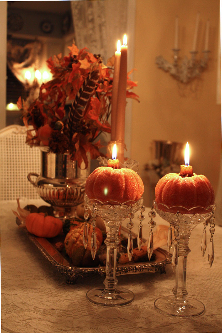 50 best halloween table decoration ideas for 2017 for Pictures of fall table decorations