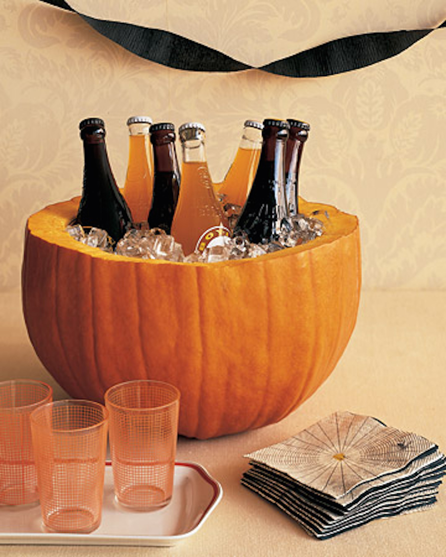 Halloween table decorations to make - 50 Mustsee Halloween Table Decorations To Try This Year Drinks Anyone