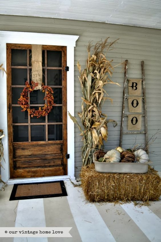27 best fall porch decorating ideas and designs for 2018 for Fall patio decorating ideas