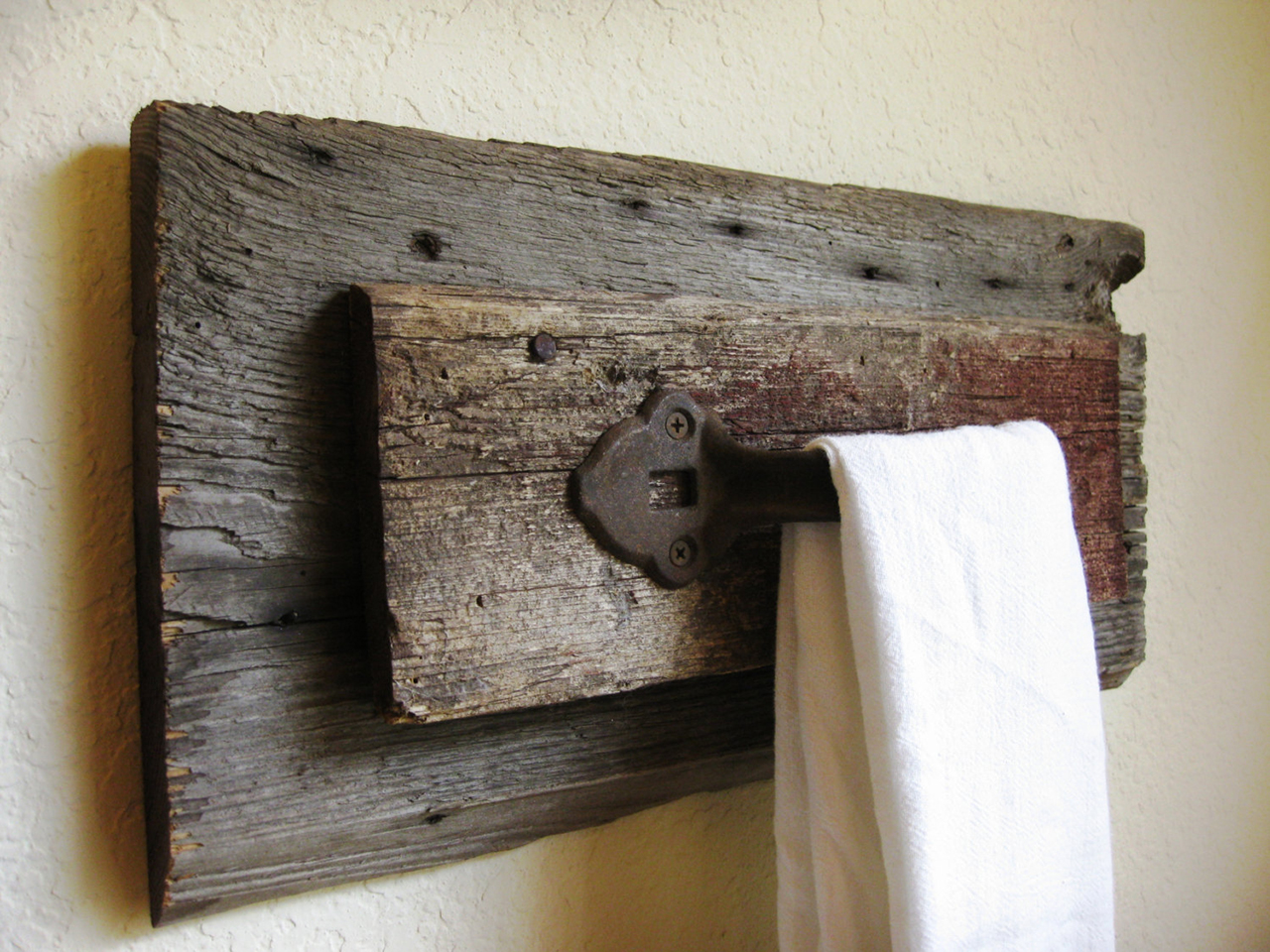 Rustic bathrooms designs - 6 Reclaimed Hardware Towel Hook