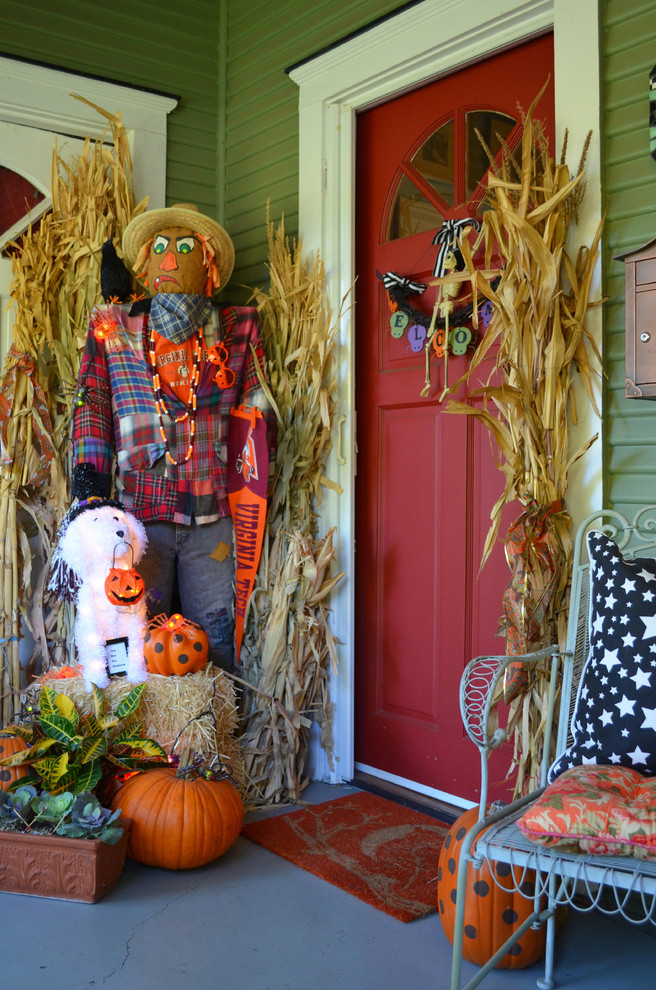 50 chilling and thrilling halloween porch decorations for 2017 for Home depot halloween decorations 2016