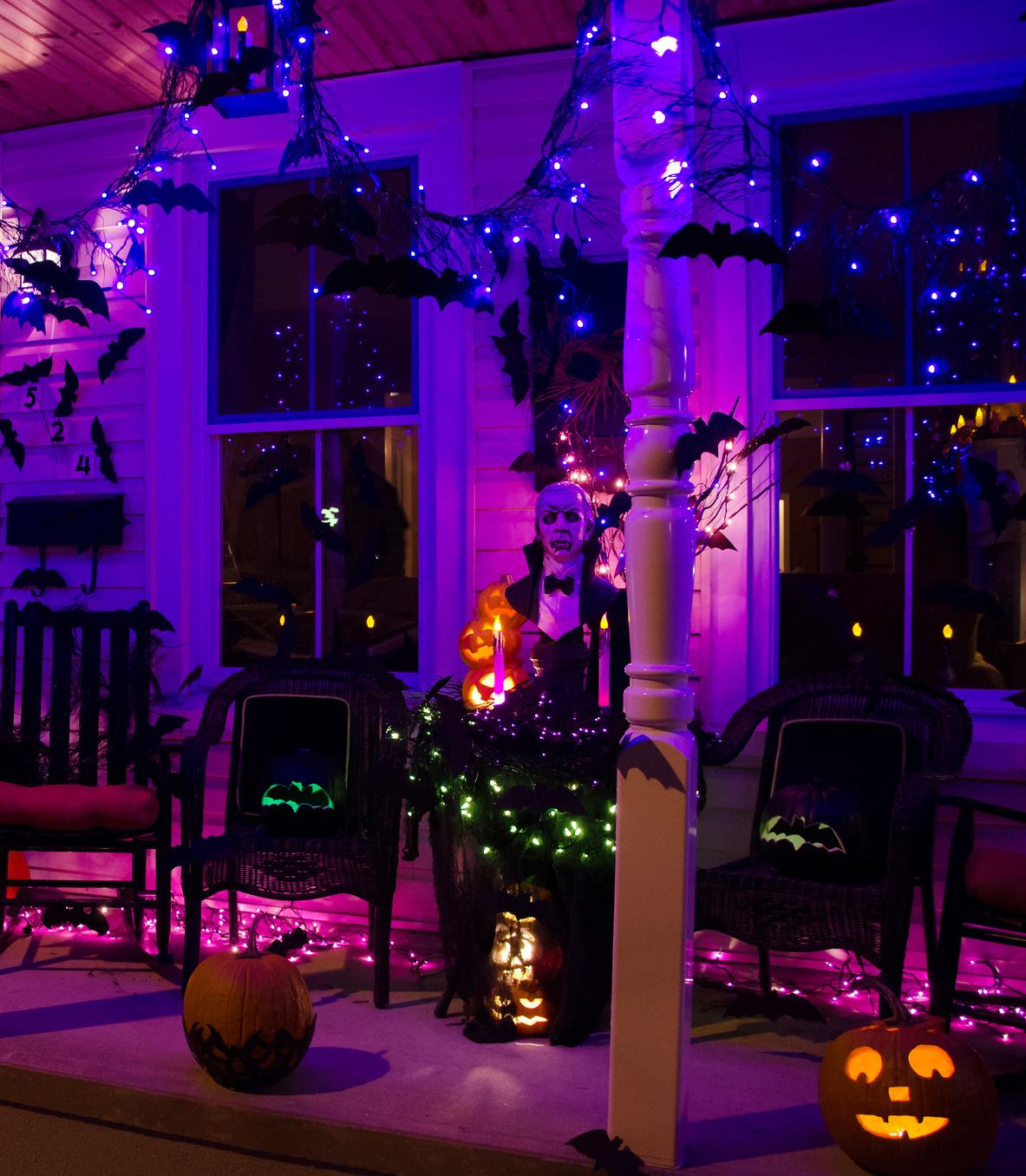 50 Chilling and Thrilling Halloween Porch Decorations for 2017