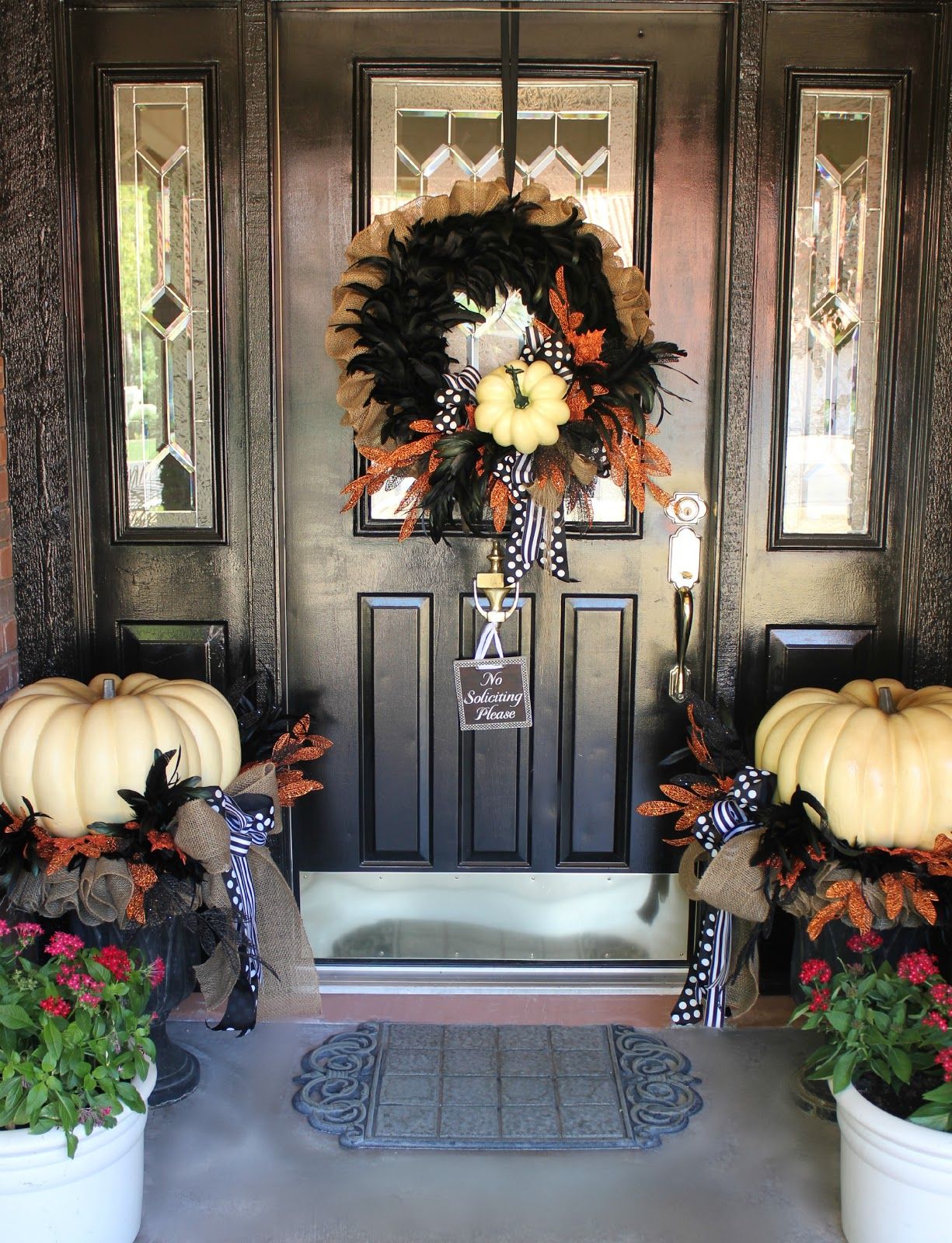 50 chilling and thrilling halloween porch decorations for 2018