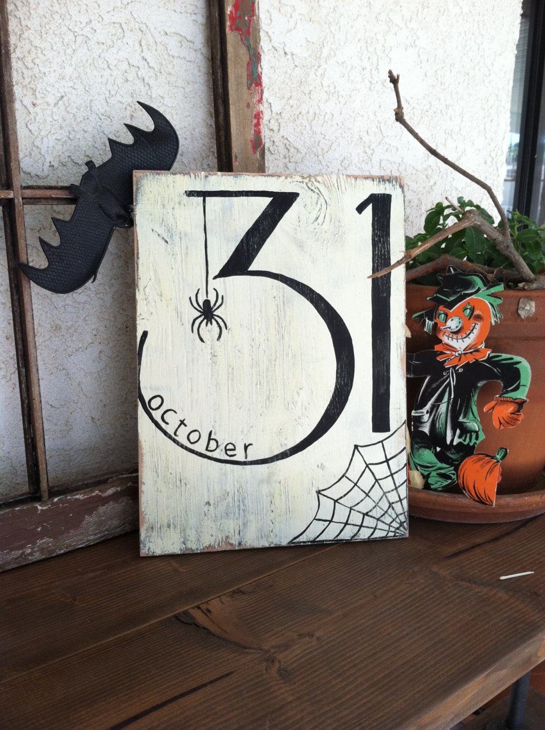 halloween date with spider sign - Sophisticated Halloween Decorations