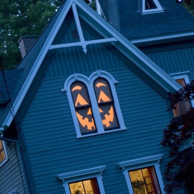 creepy jack o lantern house - Halloween Window Decor