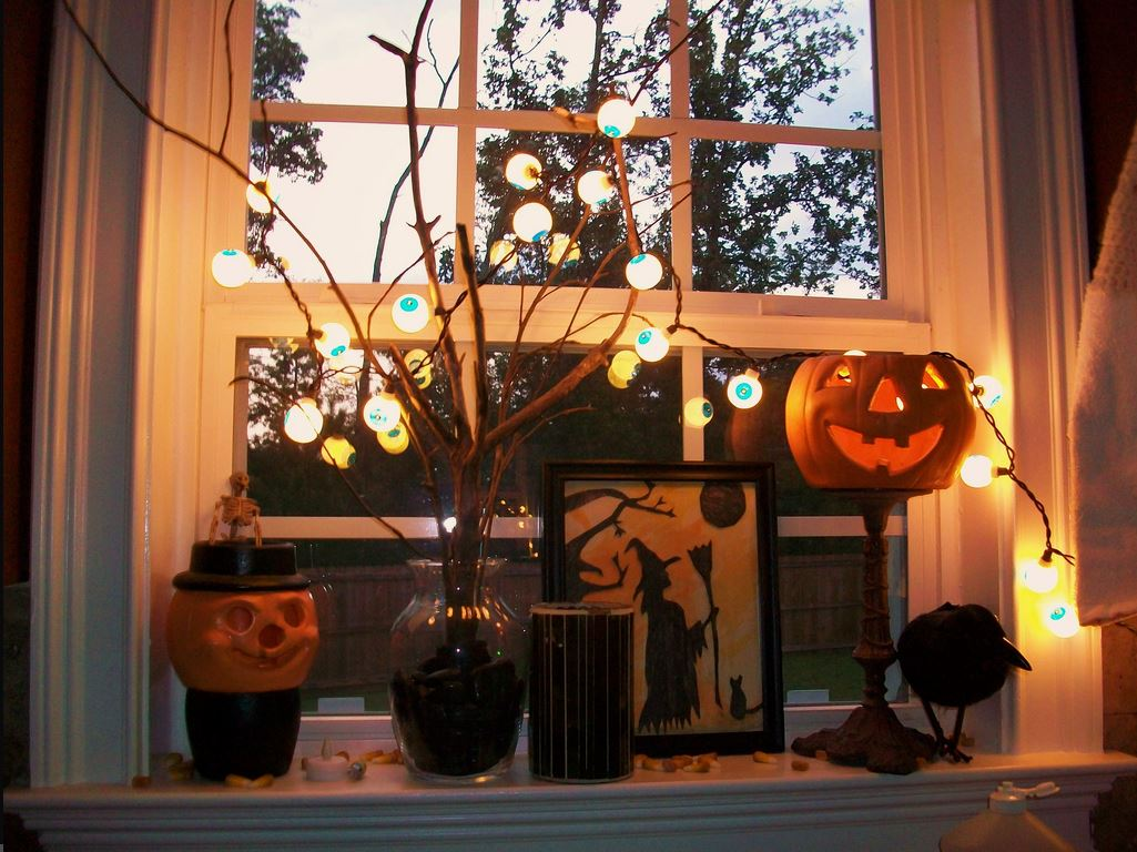31 vintage pumpkin design - Halloween Window Decor