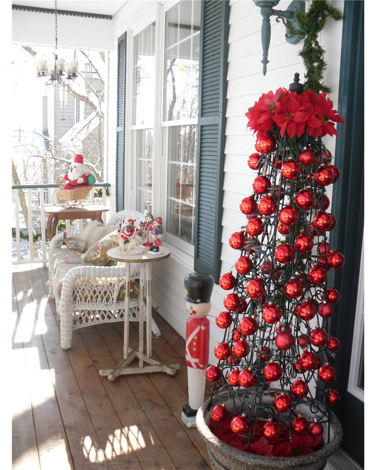 easy christmas ornament obelisk - Porch Decorating Ideas Christmas