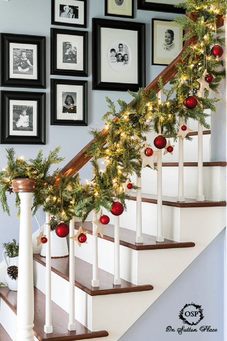 50 trendy and beautiful diy christmas lights decoration for Stair railing decorated for christmas