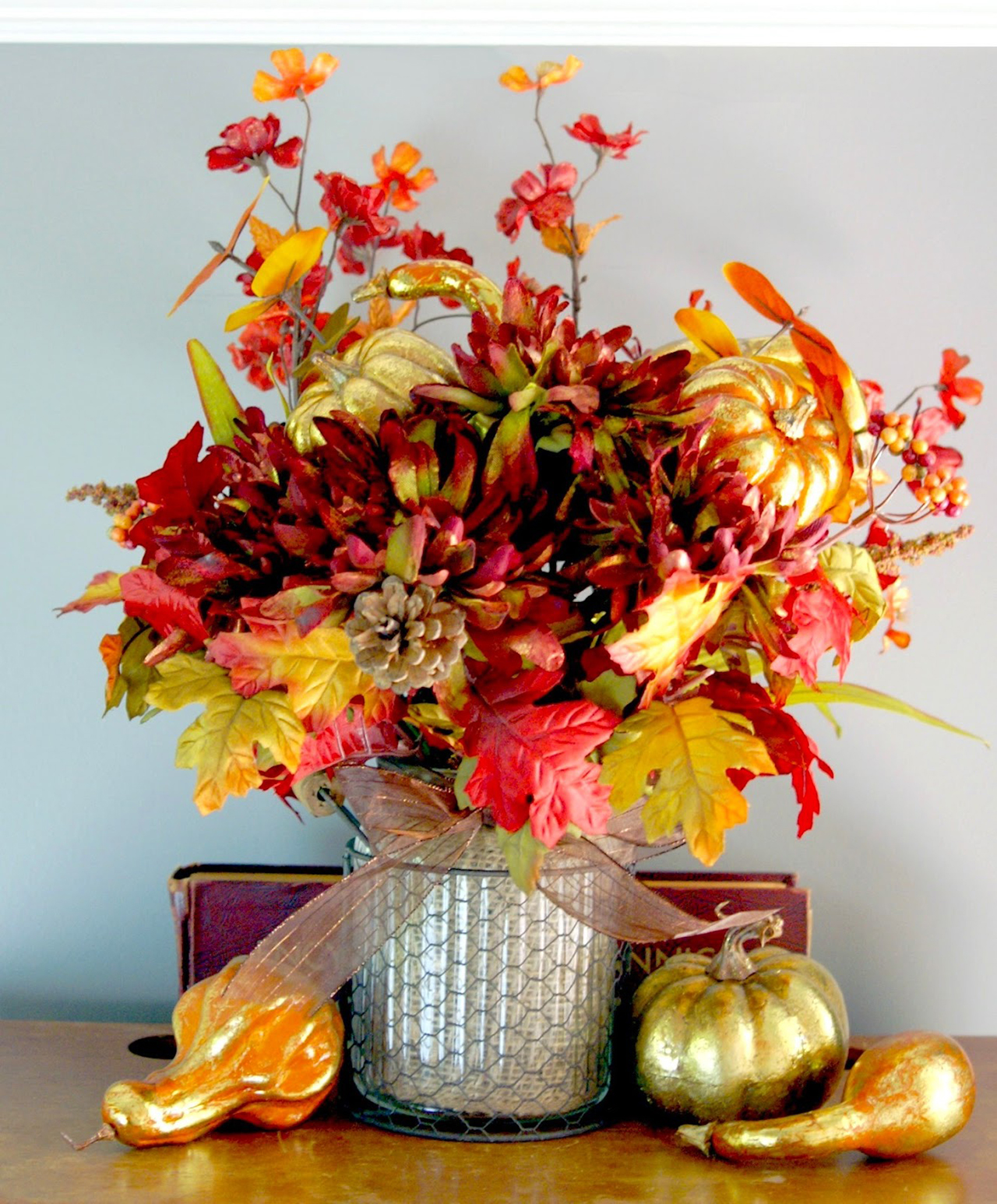 Autumn Hued Floral Arrangement With Metallic Accents Nice Ideas