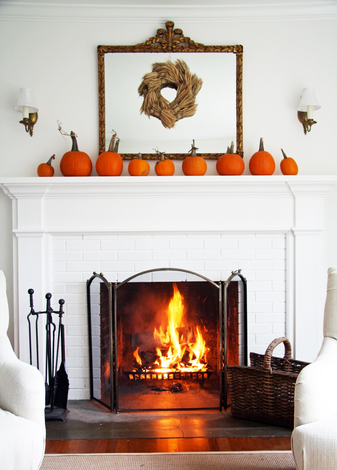 Simple Elegance for Fall Mantel Décor Ideas