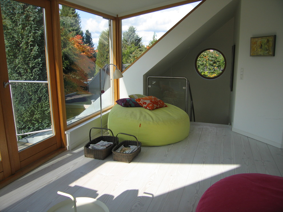 Modern Love Sac Reading Space in Nature