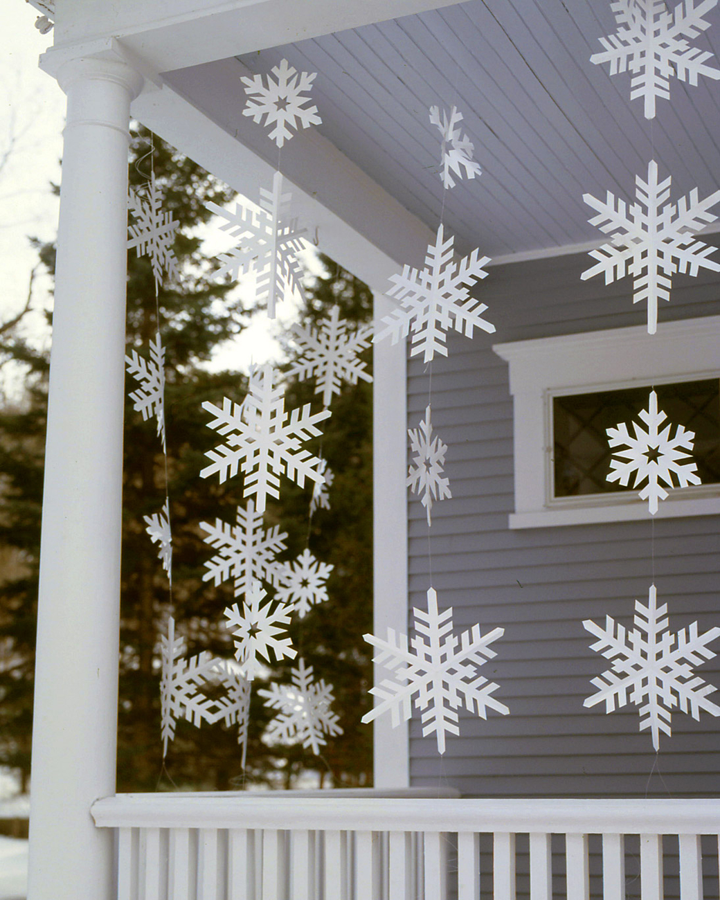 Paper Snowflake Strings