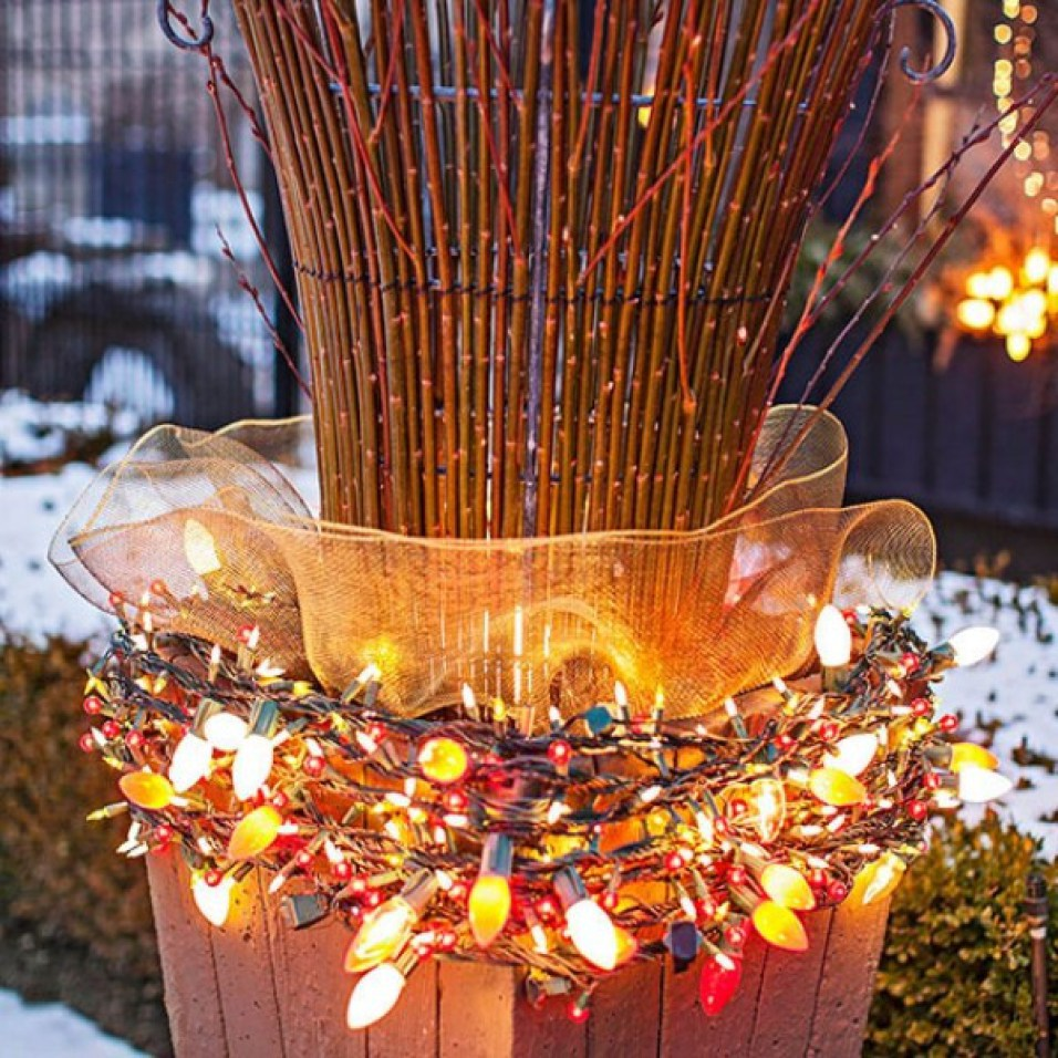 Outdoor Christmas Lighting Ideas: 50 Trendy And Beautiful DIY Christmas Lights Decoration