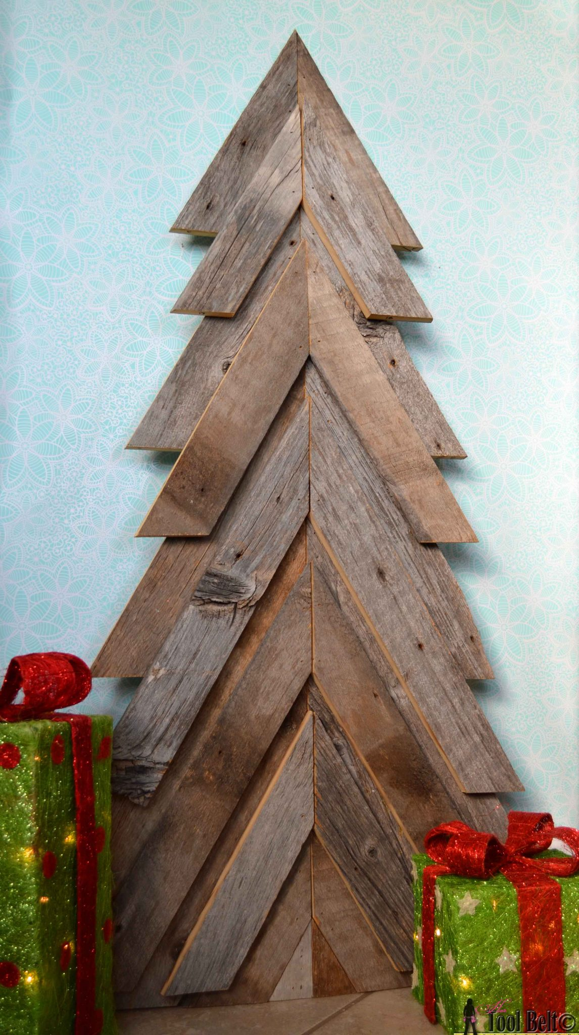 25 Rustic Wooden Tree