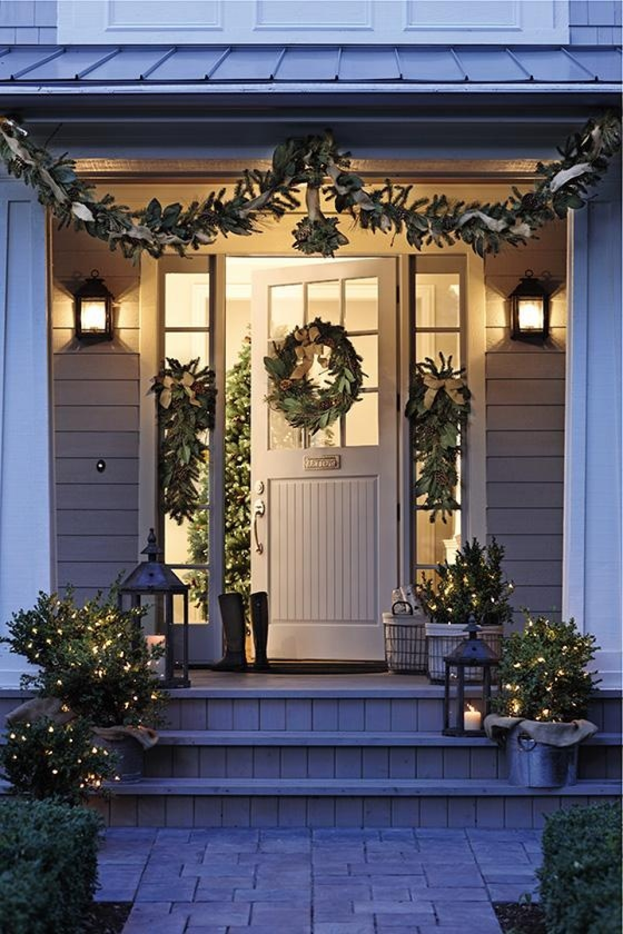 Elegant and Understated Entryway