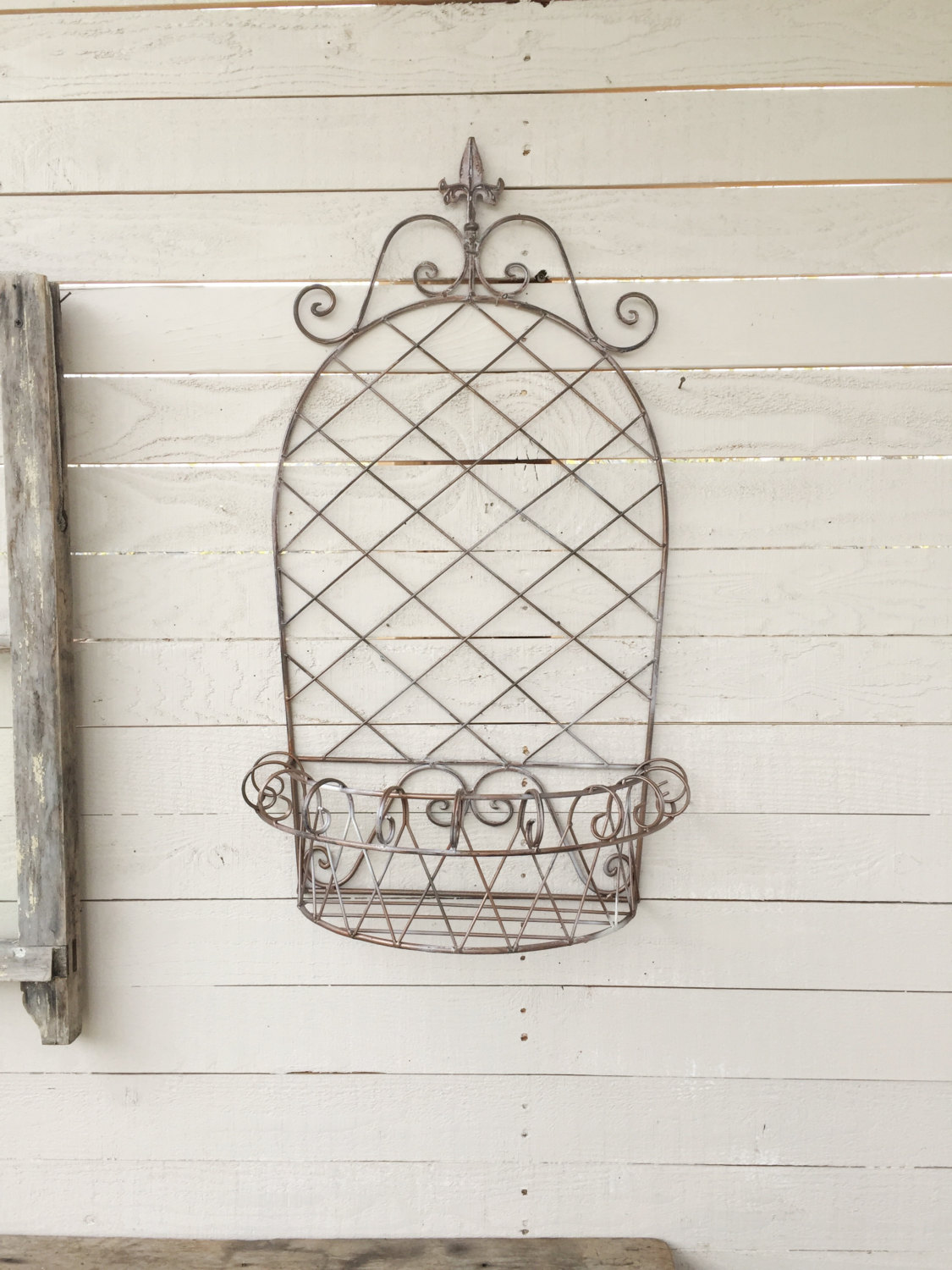 Wall Mounted Metal Basket