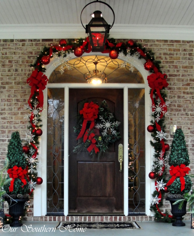30. Dramatic Garland with Oversized Ornaments