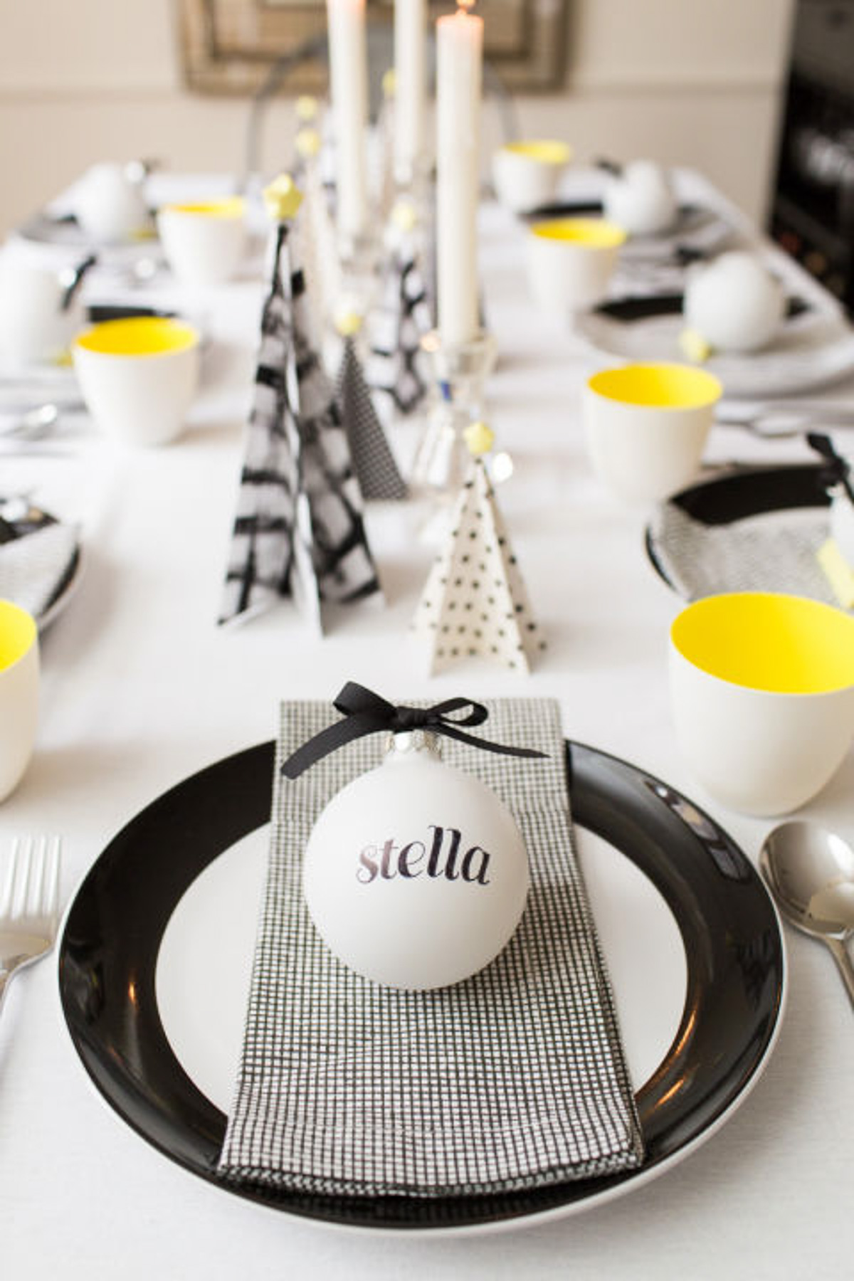 Diy christmas table decorations ideas - A Quirky Christmas