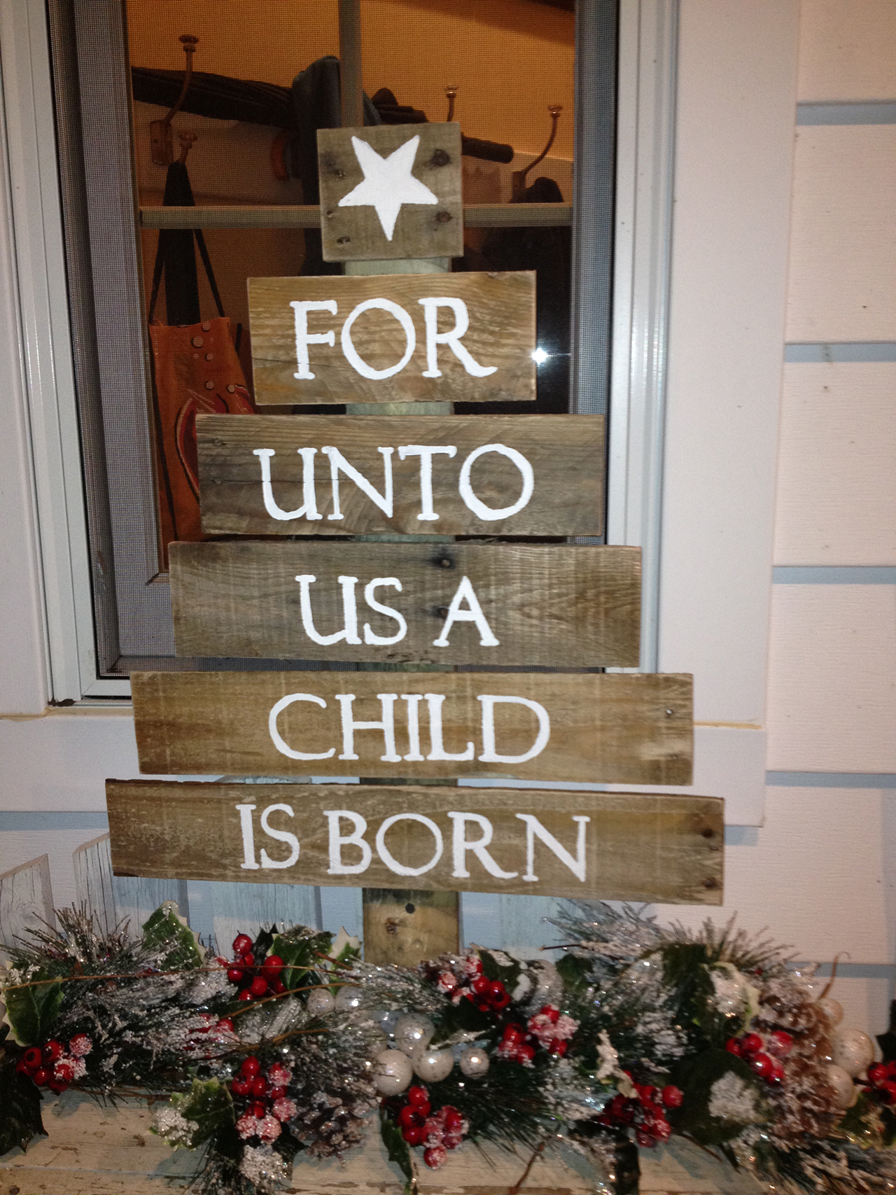 Christmas Tree Shaped Pallet Sign
