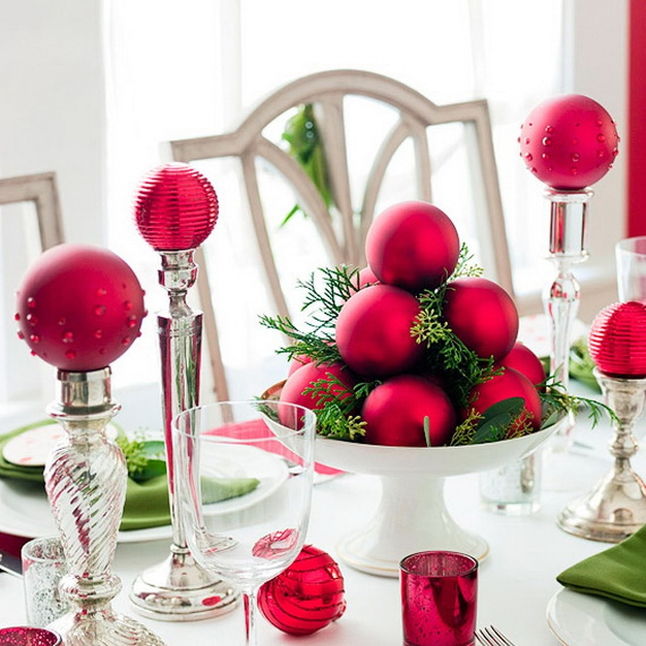 50 best diy christmas table decoration ideas for 2016. Black Bedroom Furniture Sets. Home Design Ideas