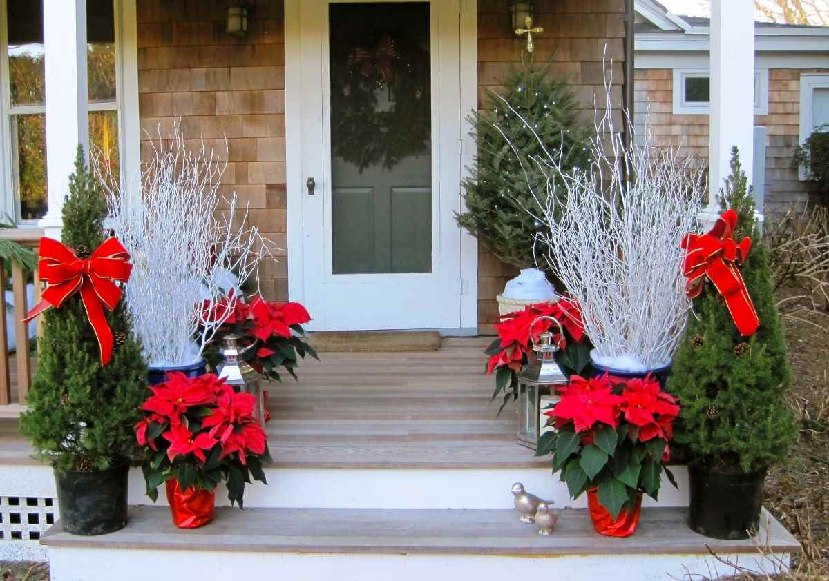 42 make your steps the star of the show - Outdoor Christmas Decorating Ideas Front Porch