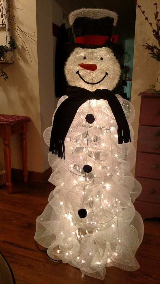 DIY Light-Up Snowman Ribbon Sculpture