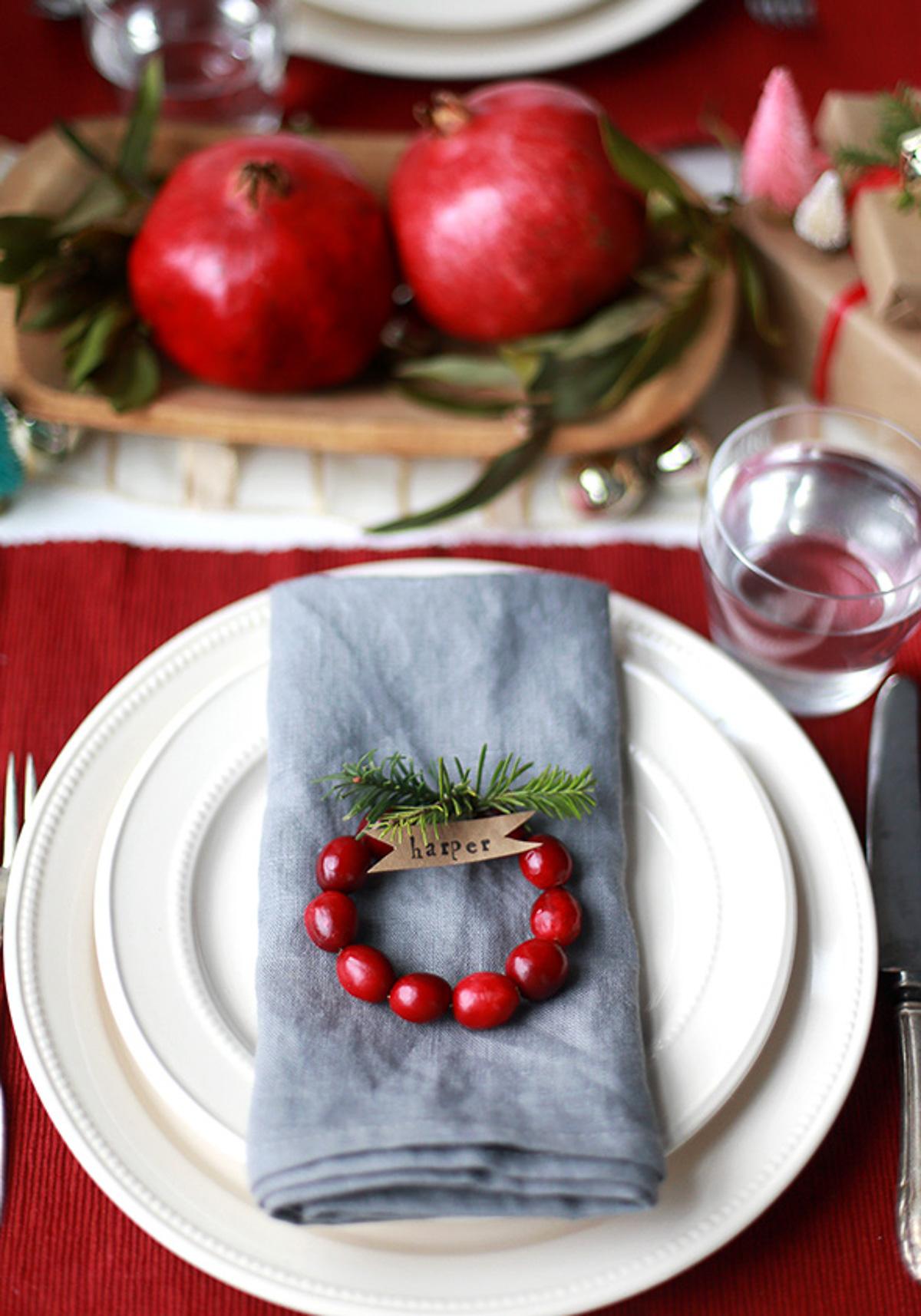 50 best diy christmas table decoration ideas for 2018 for Decoration names for christmas