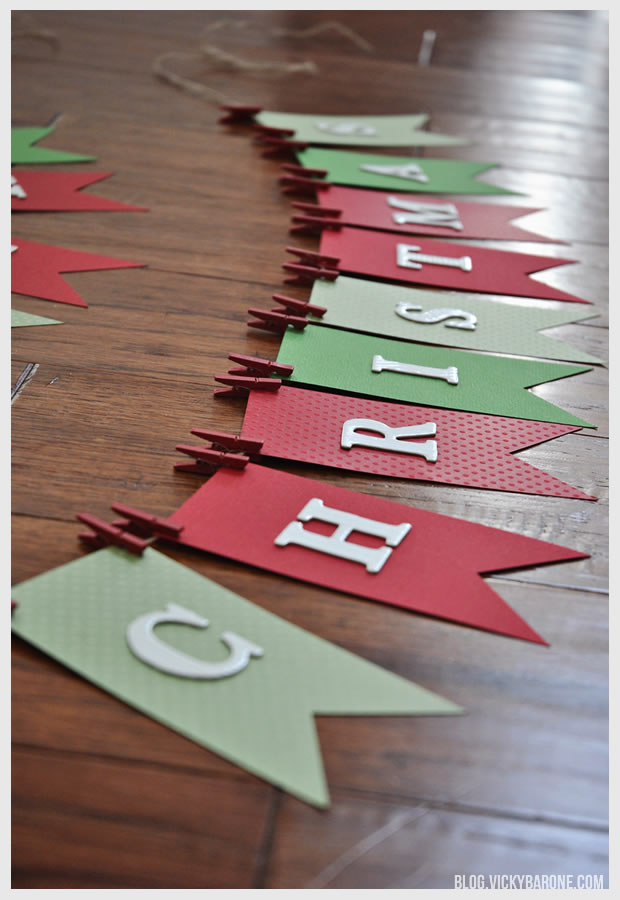 DIY Project Details blog.vickybarone.com. This fun and simple Christmas garland decorating idea ... & 50 Best DIY Christmas Garland Decorating Ideas for 2018