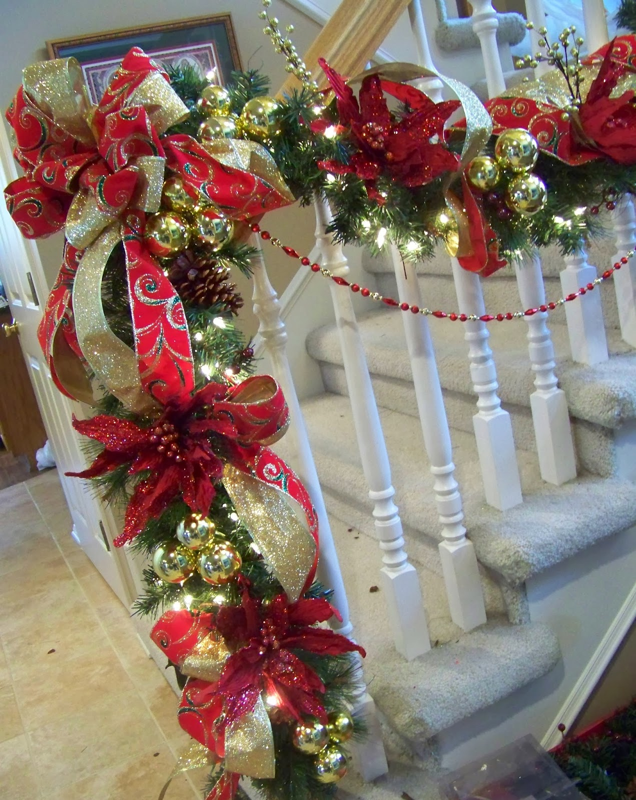 50 best diy christmas garland decorating ideas for 2017 How to hang garland on a christmas tree