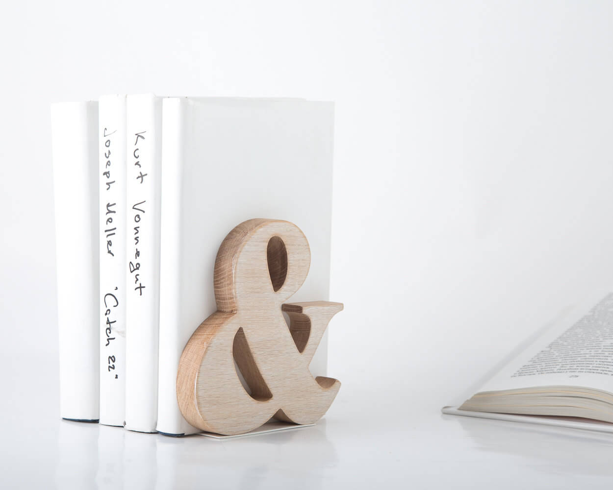 Ampersand Book End