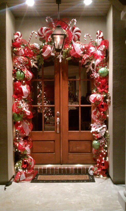 50 best diy christmas garland decorating ideas for 2018 Outdoor christmas garland ideas
