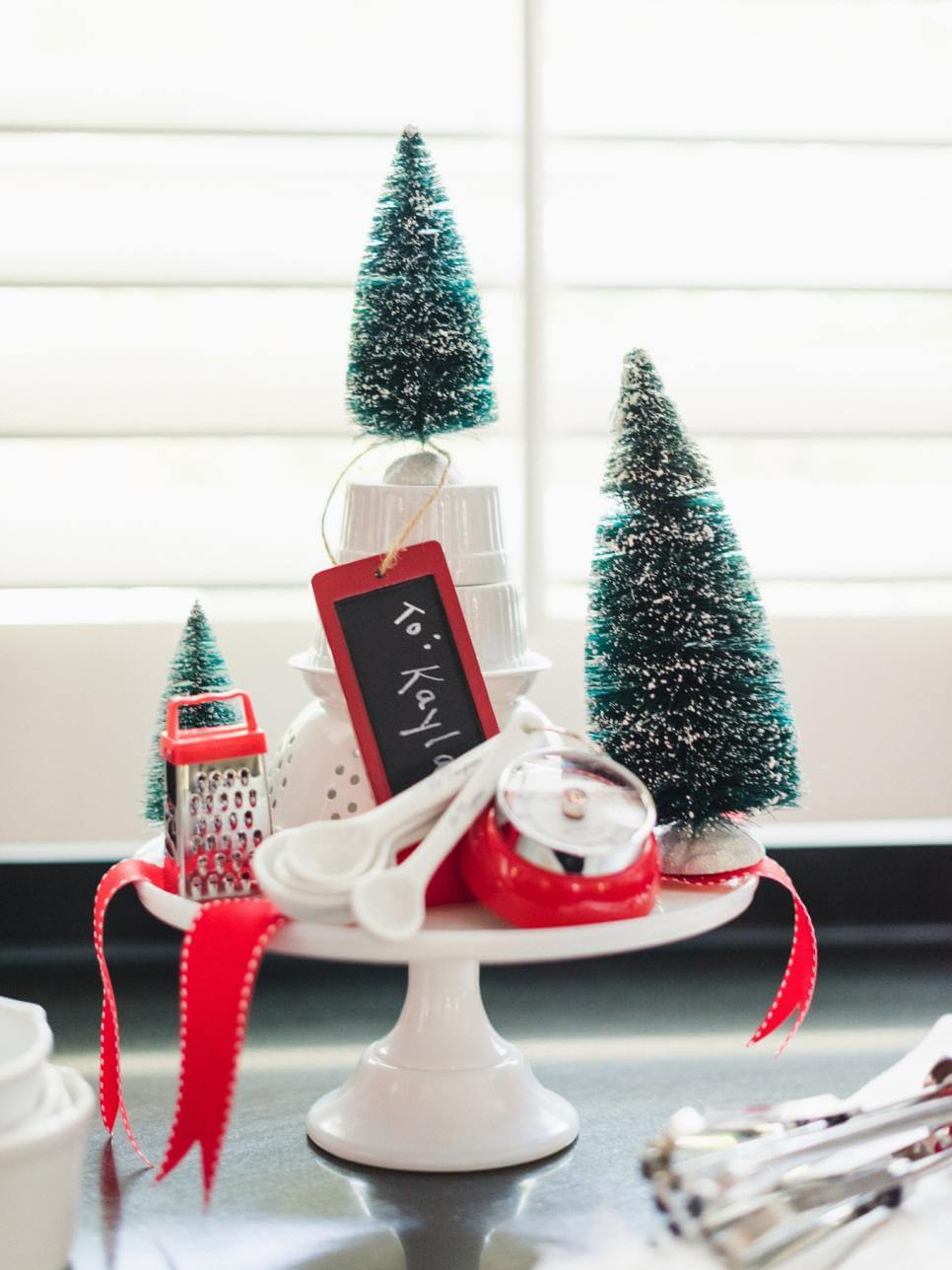 21 Best Christmas Cake Stand Decorating Ideas and Designs for 2018