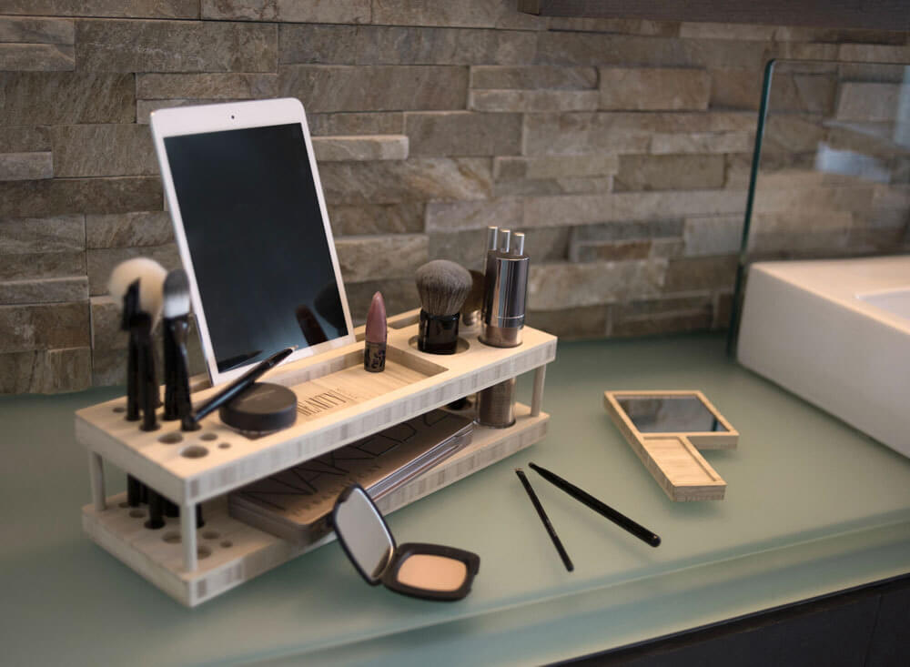 Make-up Organizer With Docking Station