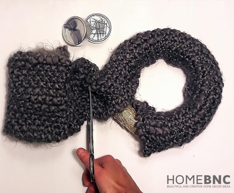 Glue the Knitted Material to your Wreath