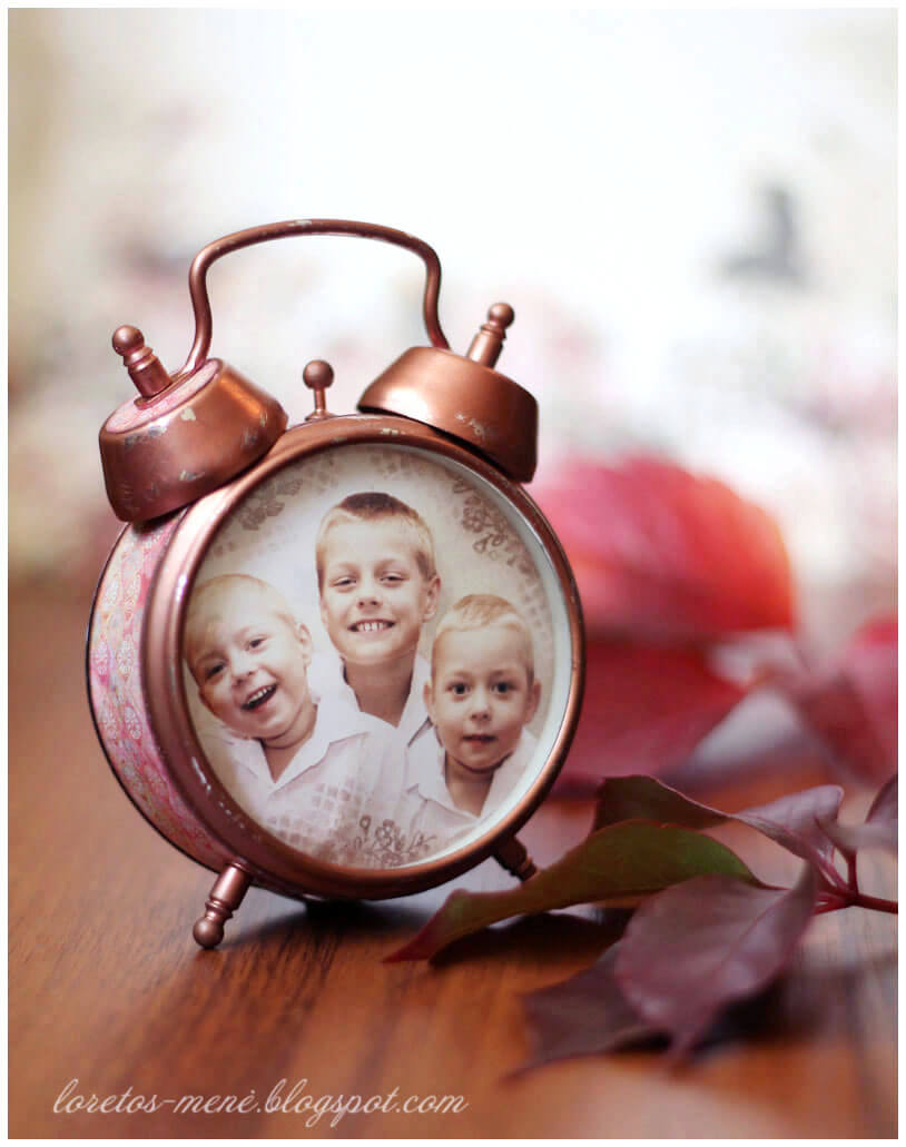 28 best diy photo and picture frame crafts ideas and designs for vintage clock frame makes time stand still jeuxipadfo Image collections