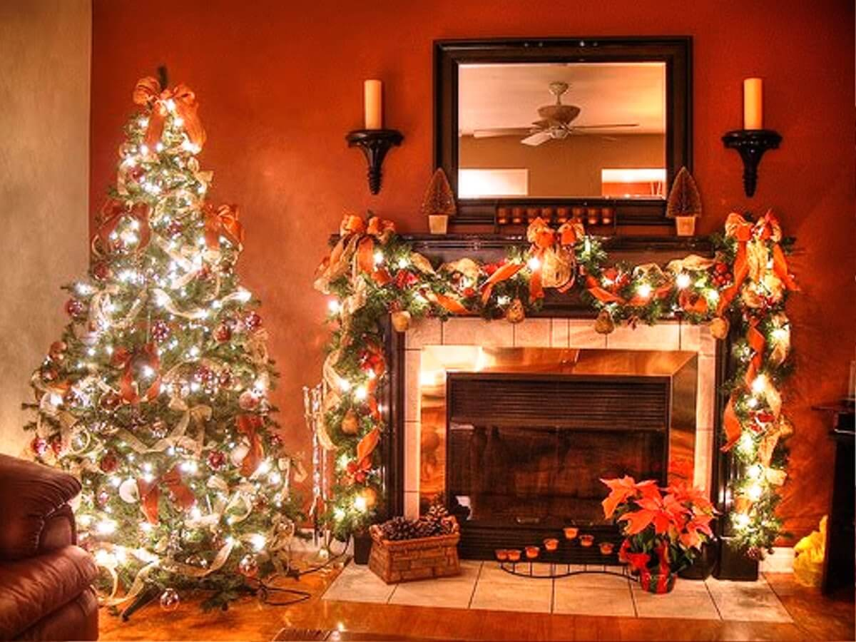 create cohesion by matching tree and mantel - Decorating Your Mantel For Christmas
