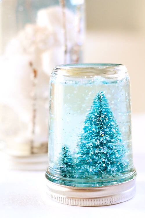 A Winter Wonderland Inside a DIY Snowglobe