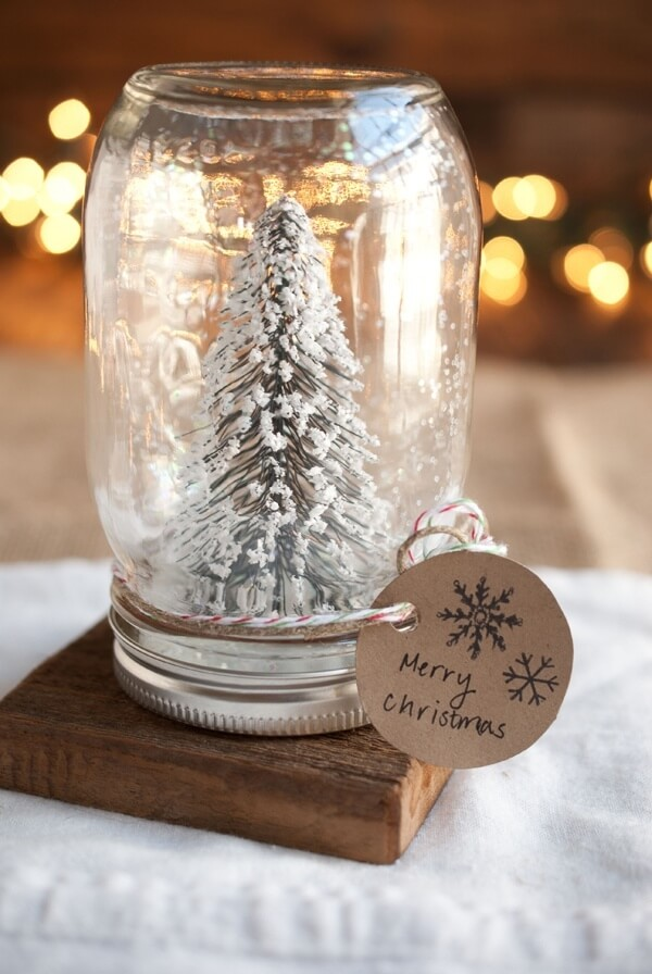 DIY Mason Jar Craft Idea: Snow Globe Edition